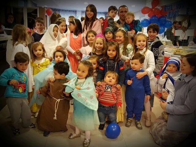 Festas em Curitiba reúnem muitos santos!