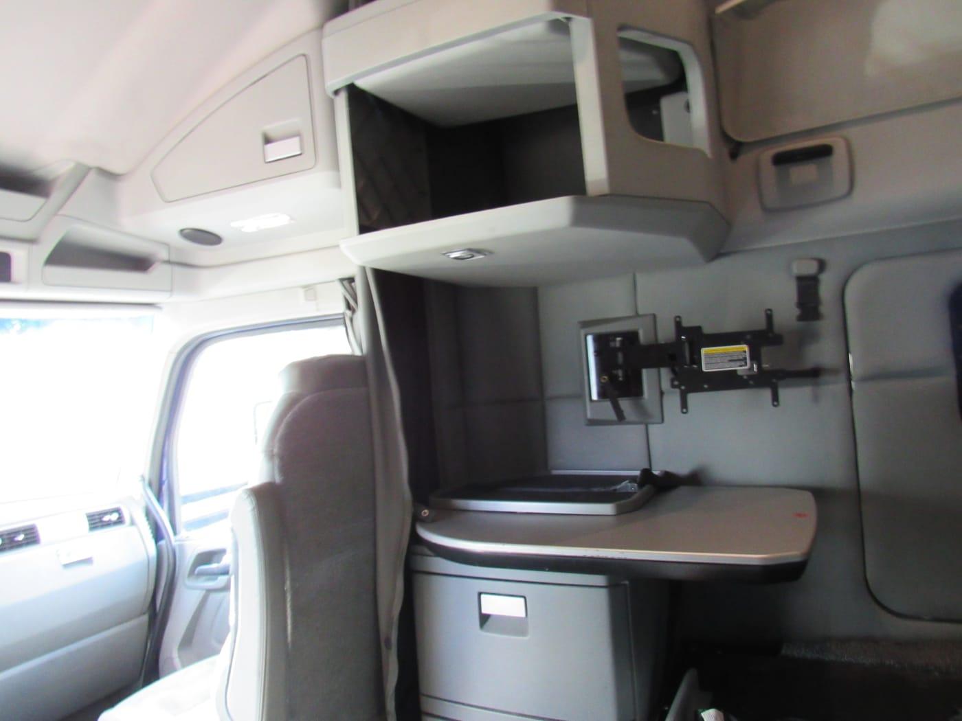 2018 Kenworth T680 UJJ175349 full