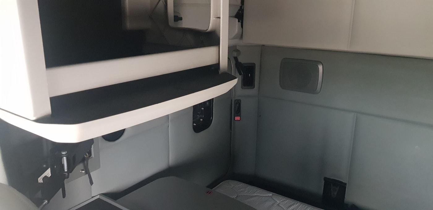 2018 Kenworth T680 UJJ175470 full