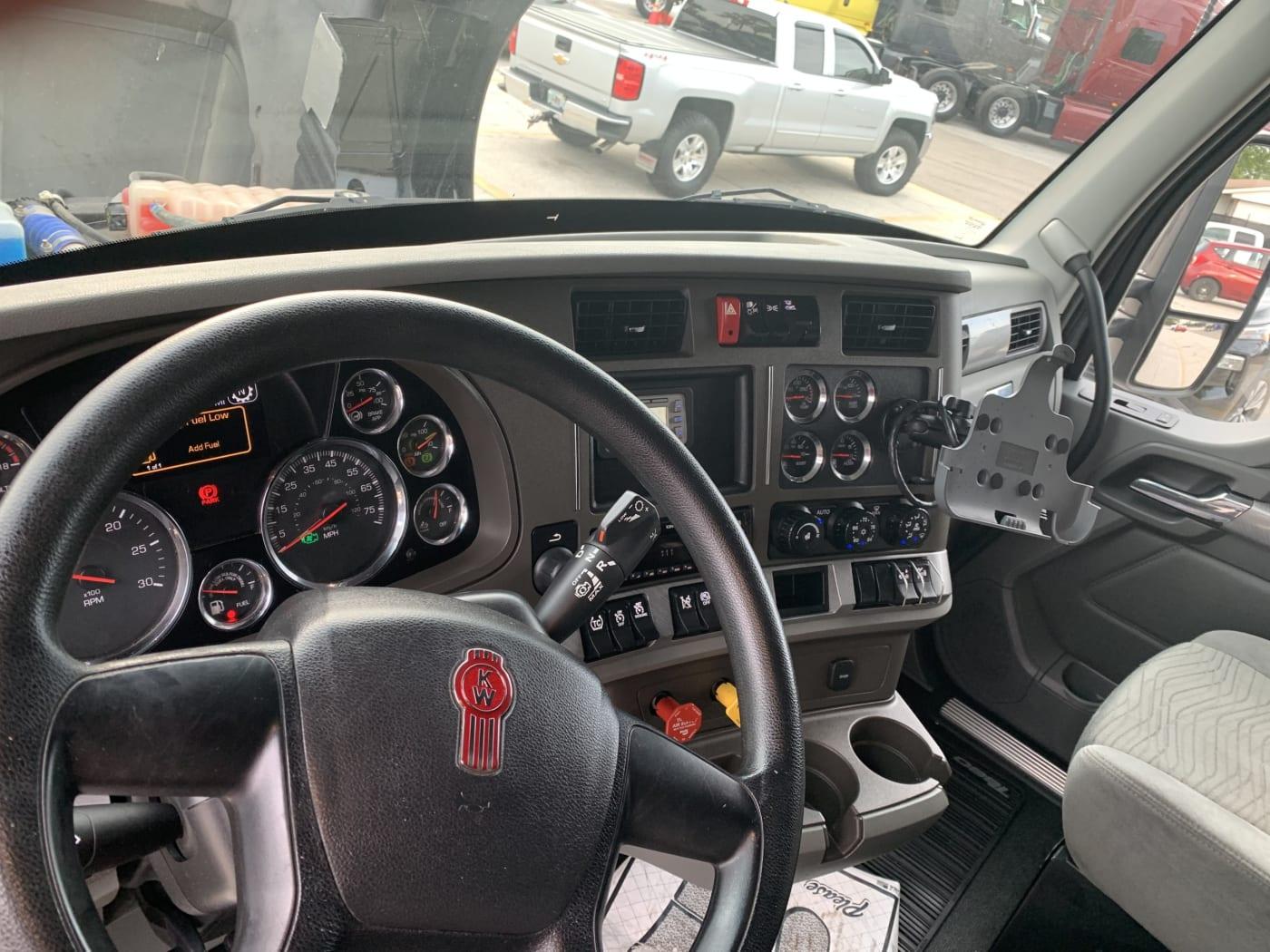 2019 Kenworth T680 UKJ256175 full