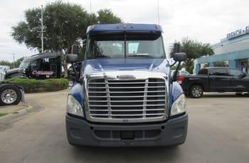 2015 Freightliner Cascadia 125 UFSGB4797 full