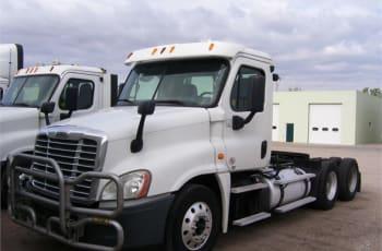 2013 Freightliner Cascadia 125 UDLBY6355 full