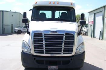 2014 Freightliner Cascadia 125 UESFK2524 full