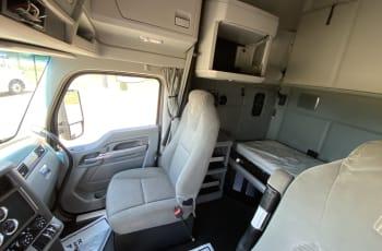 2017 Kenworth T680 UHJ165092 full