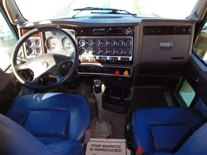 2019 Kenworth W900L UKR300060 full