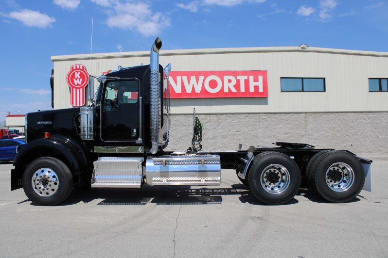 2022 Kenworth W900B NR483429 full