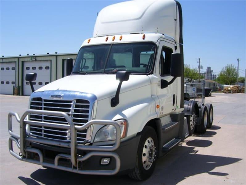 2015 Freightliner Cascadia 125 UFSGE4016 full