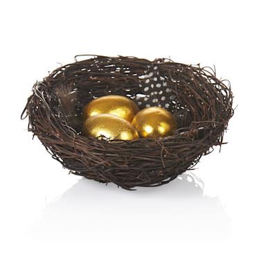 Osternest, drei Eier, Federn, Natur-Look