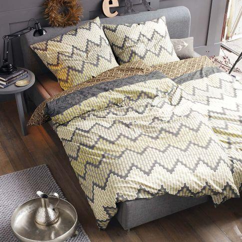 bett gepolstert f sse metall betten m bel living. Black Bedroom Furniture Sets. Home Design Ideas