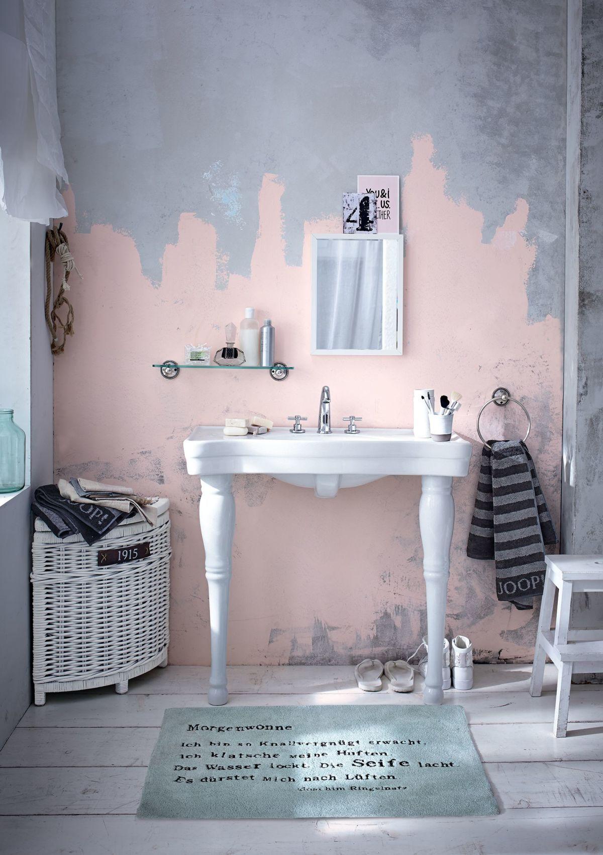Waschtisch Holz Impressionen ~ Stilvoll antikisierte Wandhalterungen kontrastieren hier apart mit dem