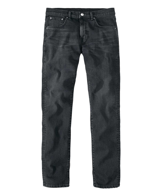 Artikel klicken und genauer betrachten! - Lässige Jeans in leichter Used-Optik. Mit gerade geschnittenem Bein, Zipper und markentypischem Logo-Badge hinten. Made in Japan. Material: 95% Baumwolle, 5% Elasthan. | im Online Shop kaufen