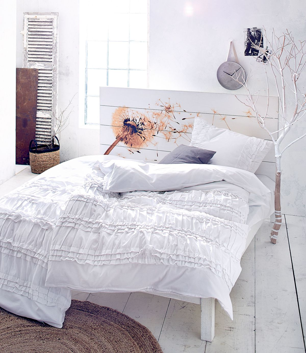 Bett, Kopfteil besonderer Hingucker, Mangoholz