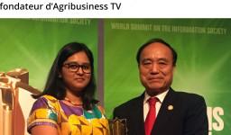 Nawsheen Hosenally avec Houlin Zhao, Secrétaire général de ITU