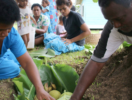 Women in Navotua have learnt how to preserve food in storage pits covered with sand to keep them cool ©WWF-Pacific/Ravai Vafo'o