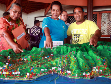 Youth and elders from 14 indigenous villages in Samoa have been engaged in the creation of 3D maps of the local area © Paulo Amerika, MNRE