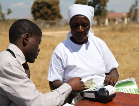 Increasing access to digital finance provides a vital service to smallholder farmers © FAO/T. Ogolla
