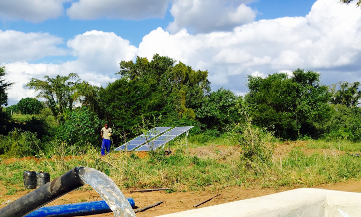 Solar-powered irrigation has provided more than 10,000 people in Mozambique with access to water © Inês Mourão/CAOS