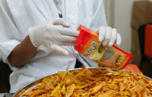 ReelFruit in Nigeria processes and distributes on-the-go packets of healthy dried fruit and nut snacks © ReelFruit