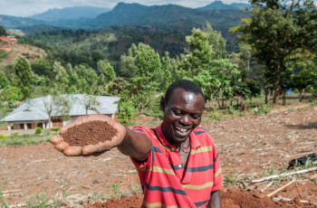 Soil pollution can come in various forms and it effects productivity, food security and nutrition © Georgina Smith/CIAT