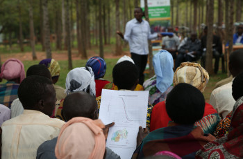 Extension workers have reached 75,000 Rwandan farmers with training in the use of climate information services © Ministry of Agriculture and Animal Resources/A Nyandwi