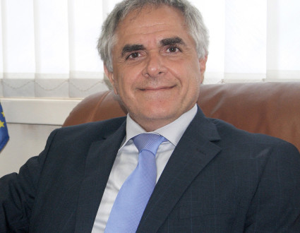 Roberto Ridolfi joined the European Commission in 1994 and worked in several delegations: Malawi, Namibia and Kosovo as development and economic adviser