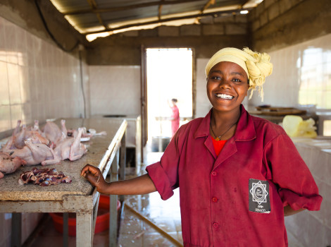 To connect African smallholders to international markets, food safety regulation must be improved across the entire value chain © USAID/Morgana Wingard