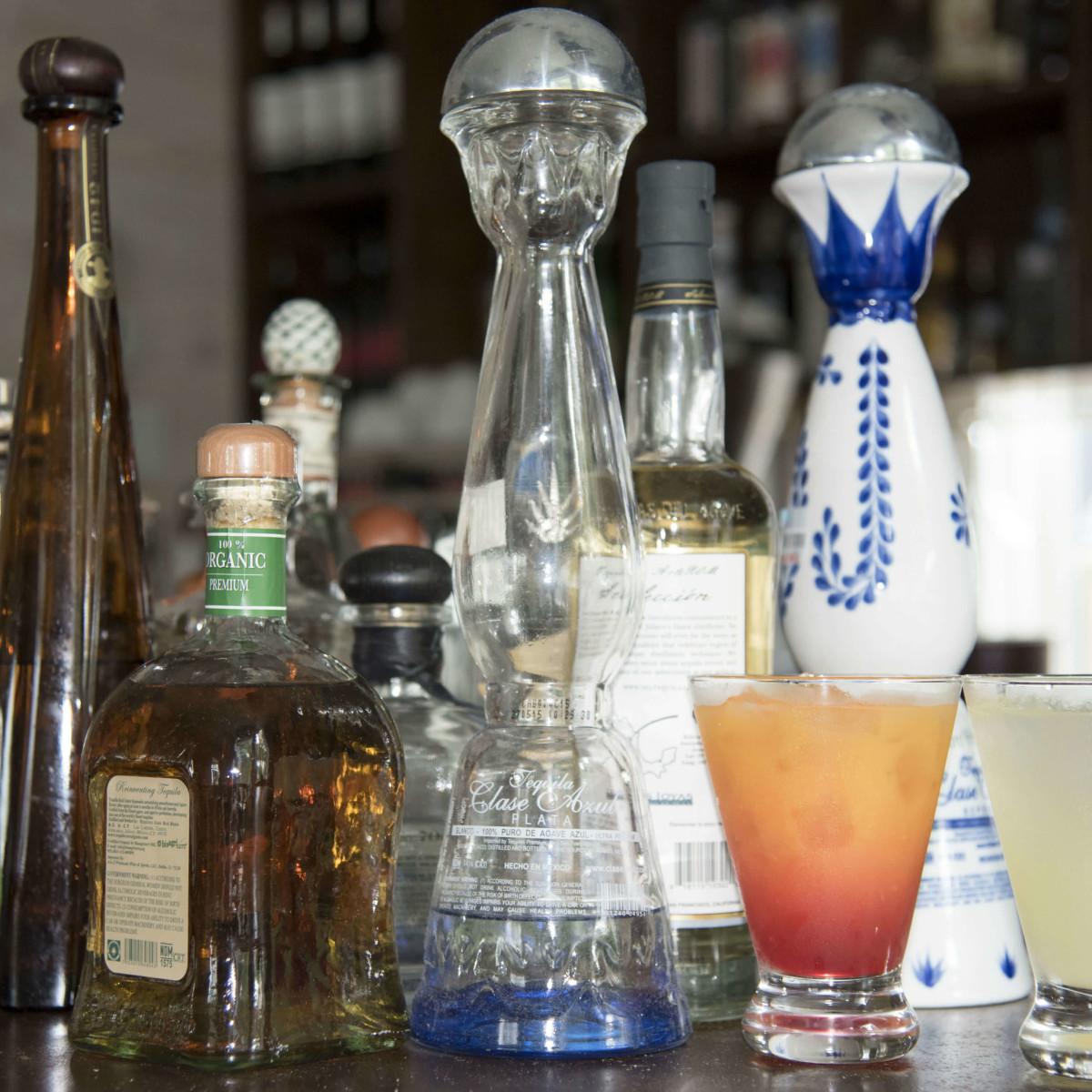 El Naranjo Austin restaurant tequila drink margarita