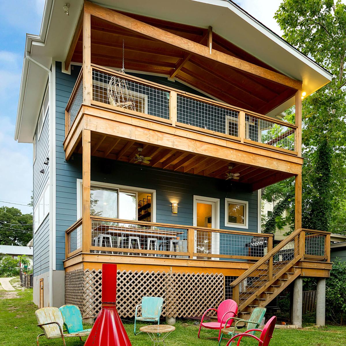 East Austin house home 1131 Poquito Street 78702 exterior backyard patio