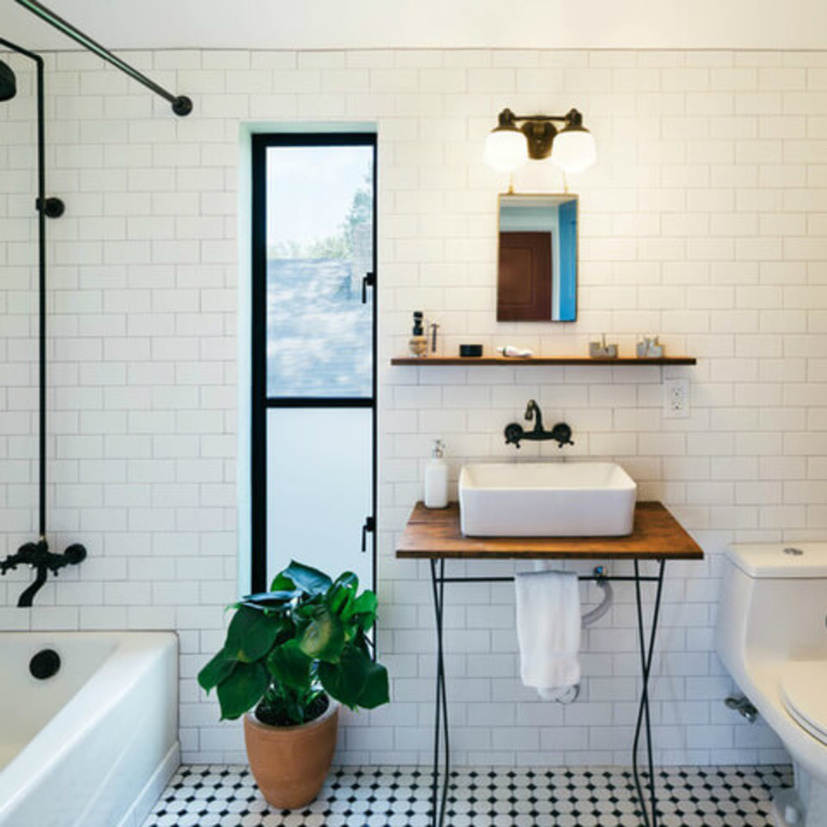 Austin home house Houzz DIY modern Texas farmhouse Garden St bathroom