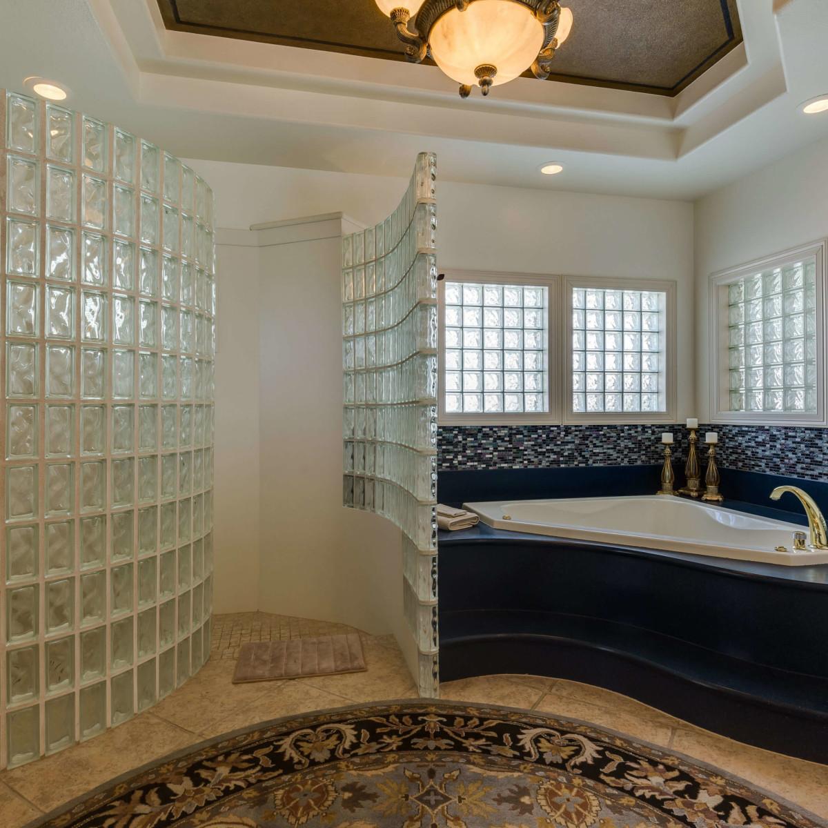 19122 Nature Oaks San Antonio house for sale bathroom