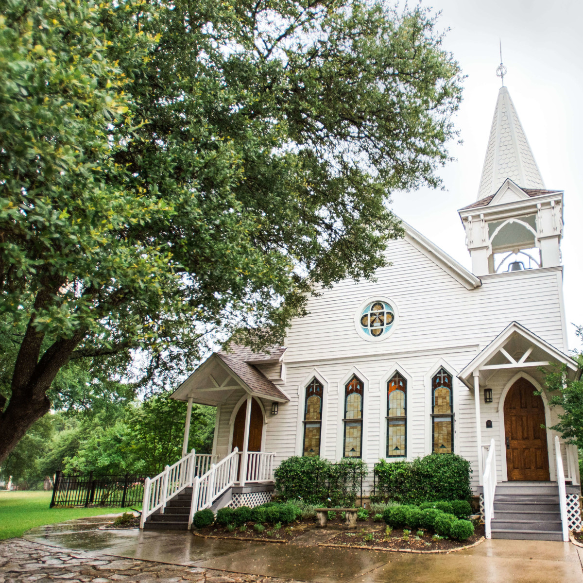 Details of Baines + Mikela's Salado Wedding