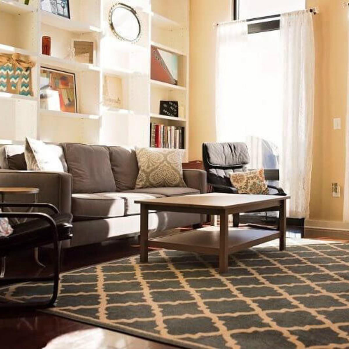 2608 Museum Way living room