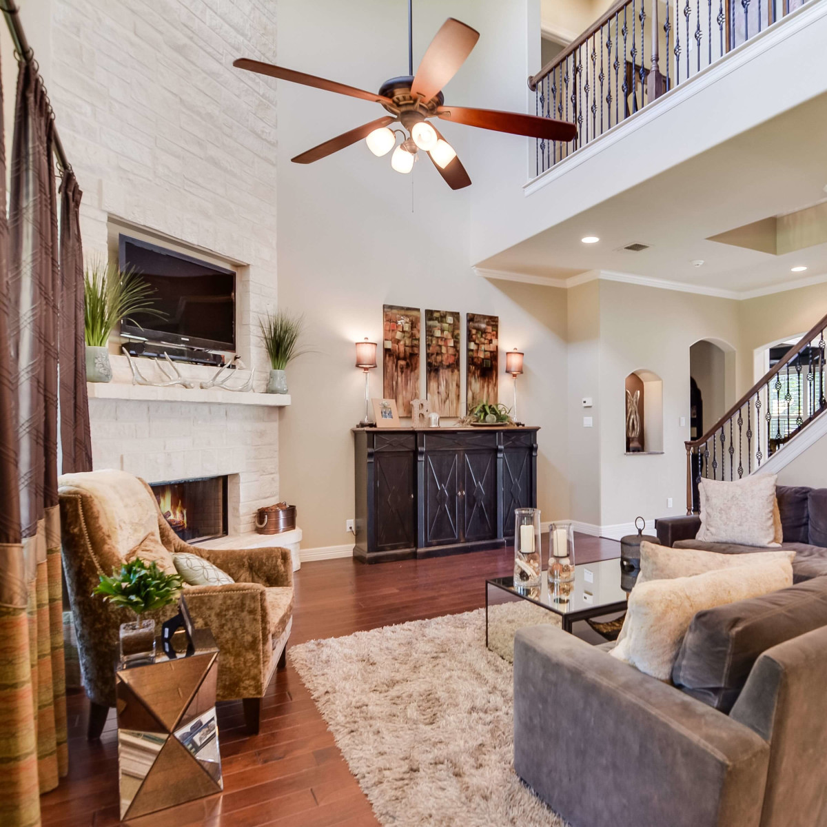 8050 Colonial Woods Boerne house for sale living room
