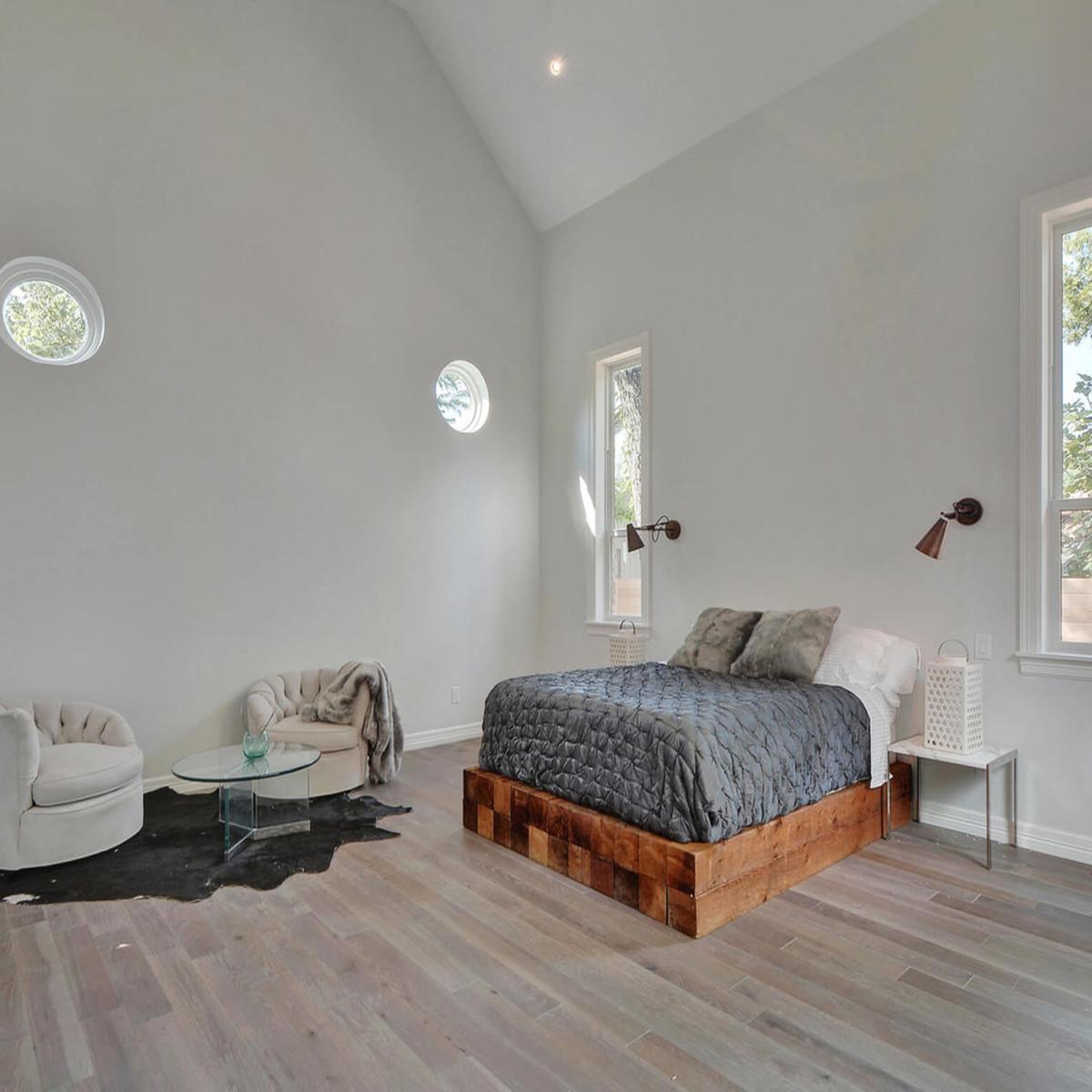 2010 Kinney Master Bedroom 1