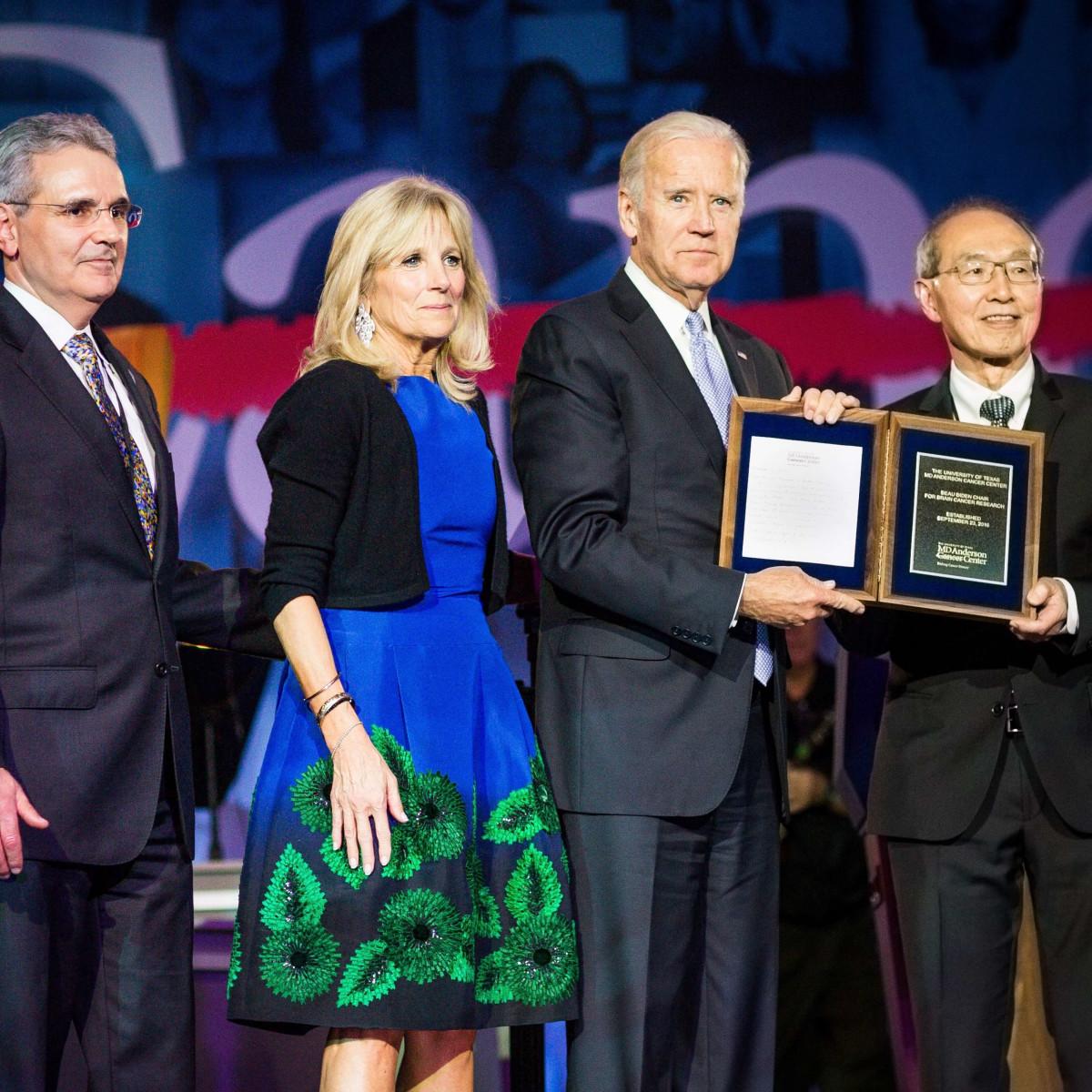 Ronald DePinho, Jill Biden, Joe Biden, Al Yung at MD Anderson gala