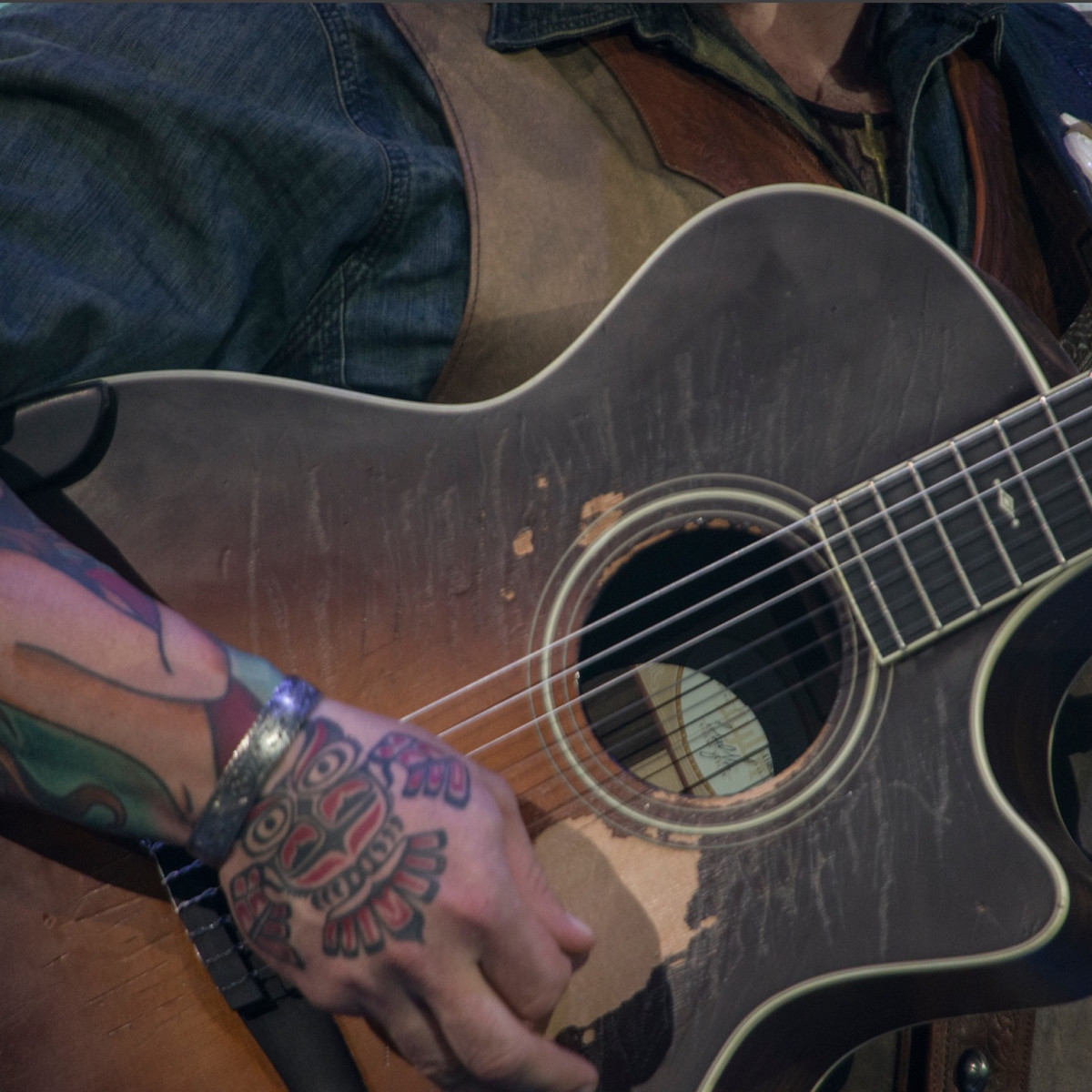 Zac Brown Rodeo 2017 guitar