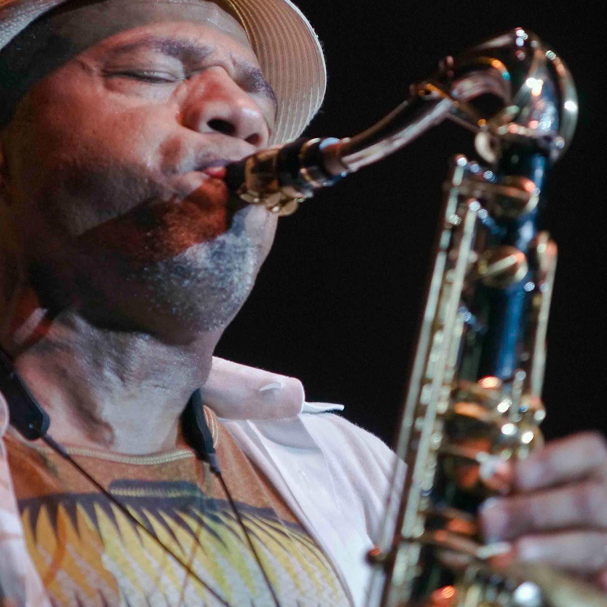 News_Kirk Whalum_saxophonist
