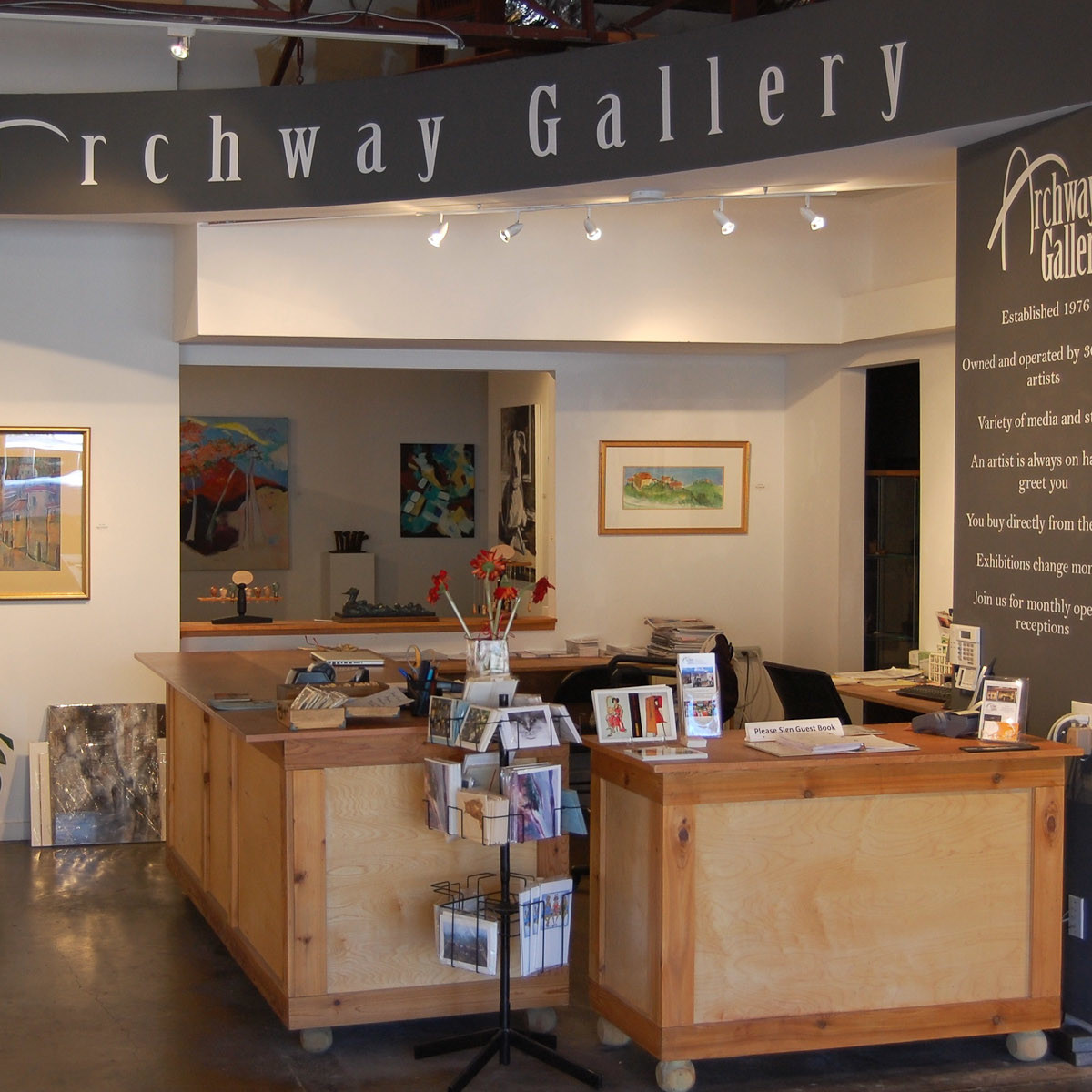 News_Archway Gallery_front desk