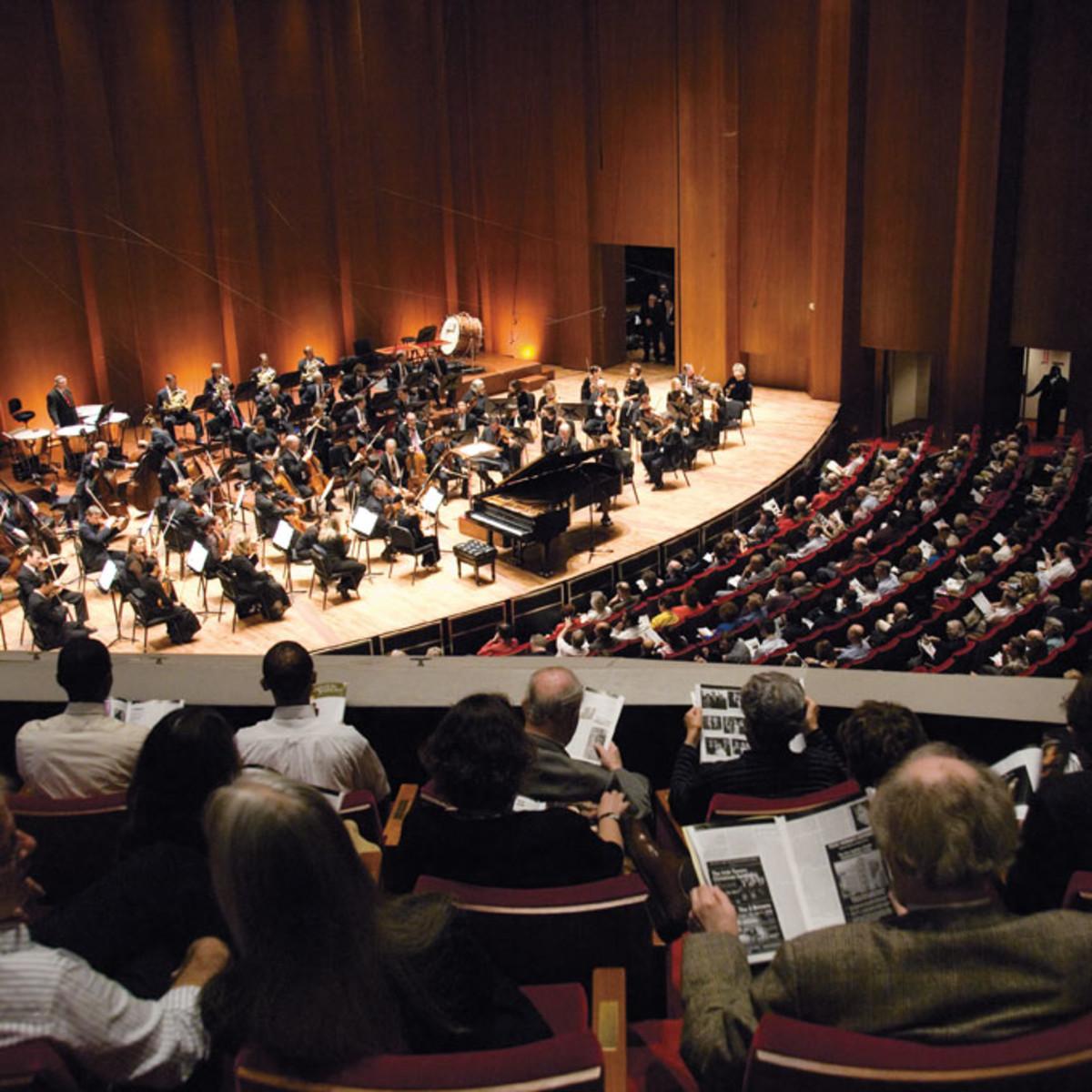 Places-A&E-Jones Hall-Houston Symphony-performance-1