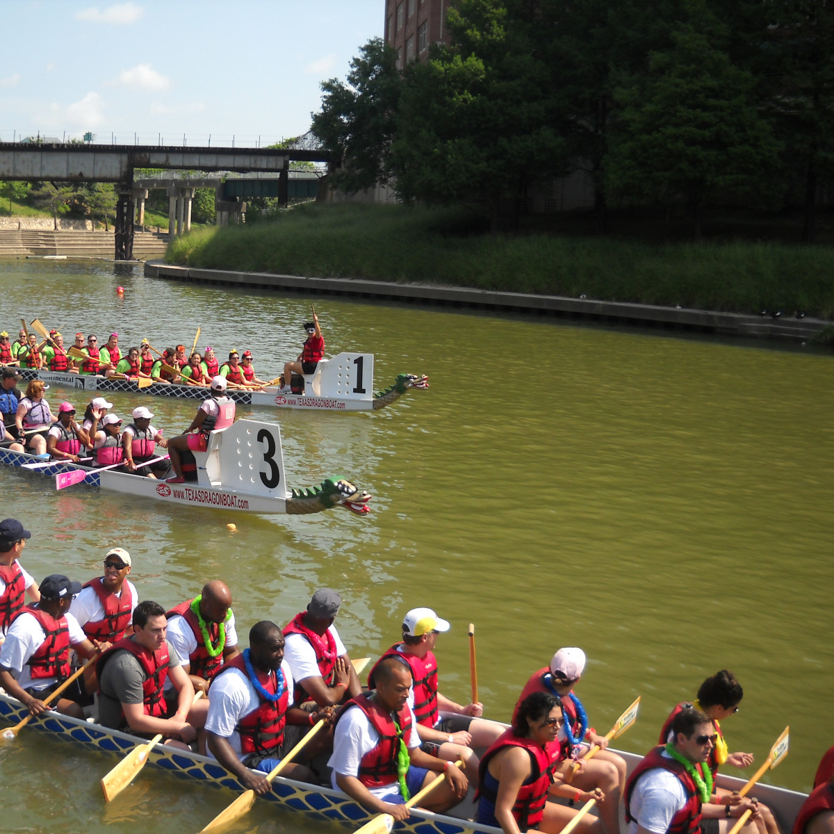 "Houston Arts Alliance and Buffalo Bayou Partnership host ""Afloat! A spectacular boat parade on Buffalo Bayou"""