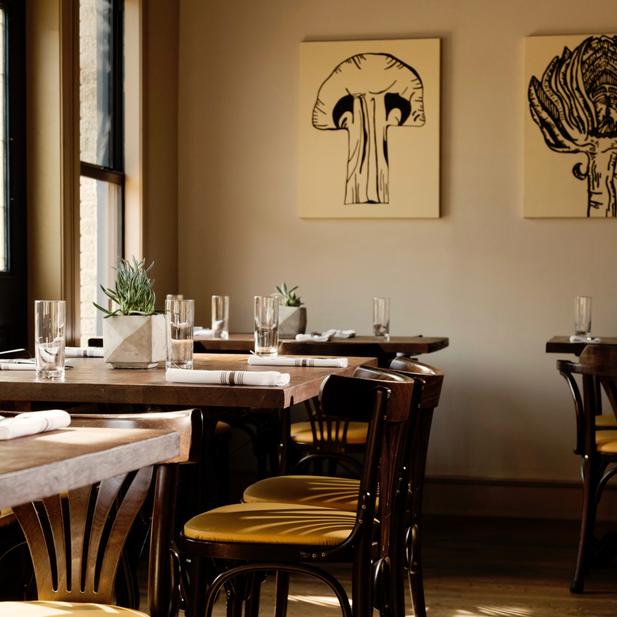 Nobie's dining room