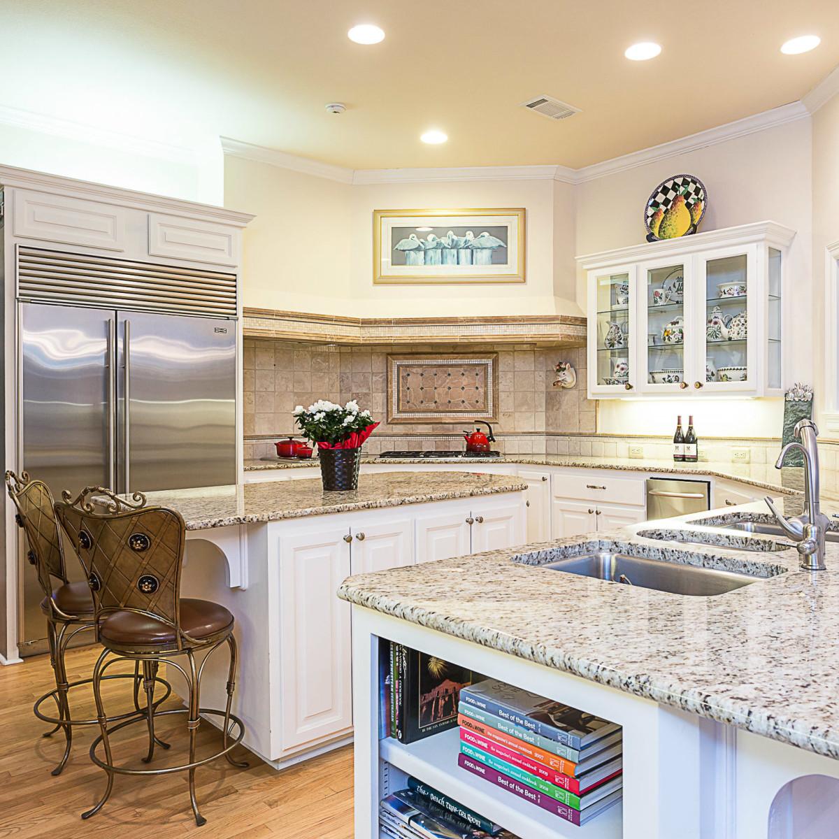 6603 Courtyard Austin house for sale kitchen