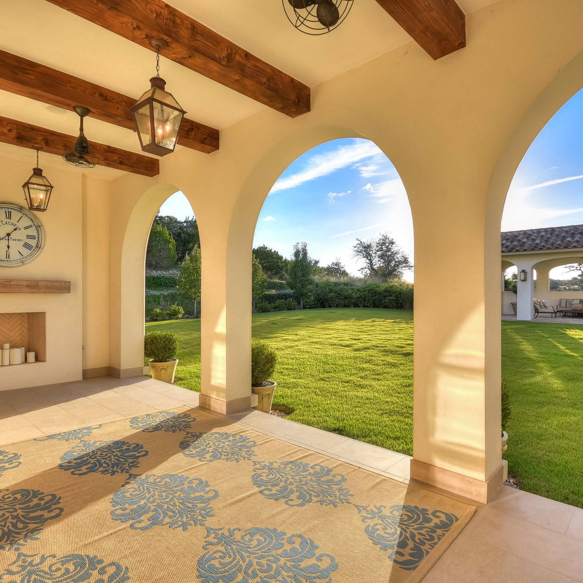 5709 Spanish Oaks Club Austin house for sale patio