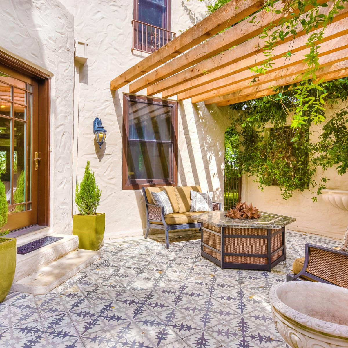 141 Cloverleaf San Antonio house for sale patio