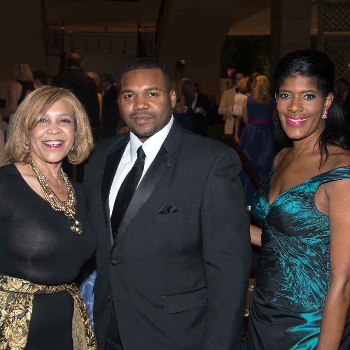 Helen Giddings, Demond Fernandez, Angela Ross