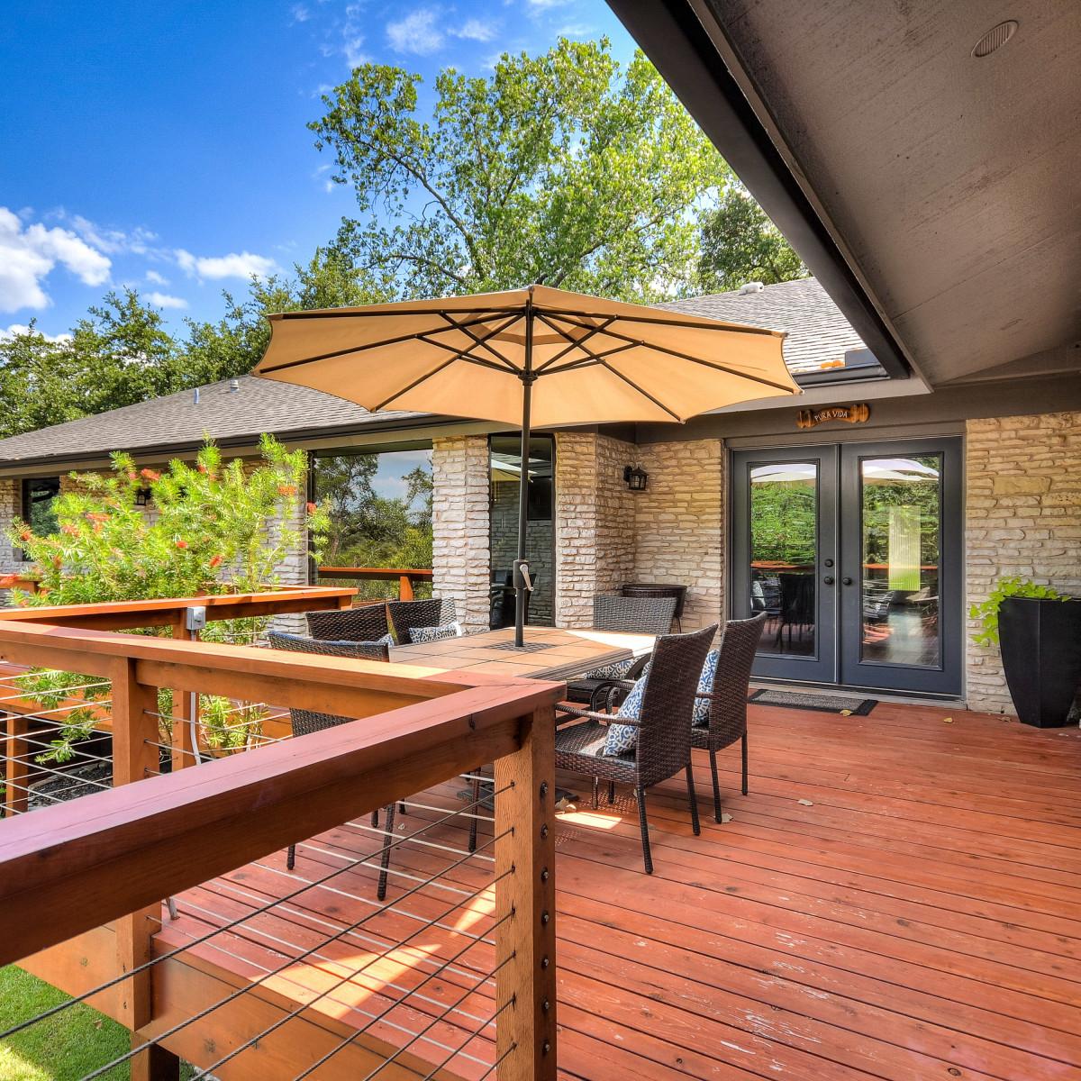3914 Glengarry Dr Austin house for sale deck