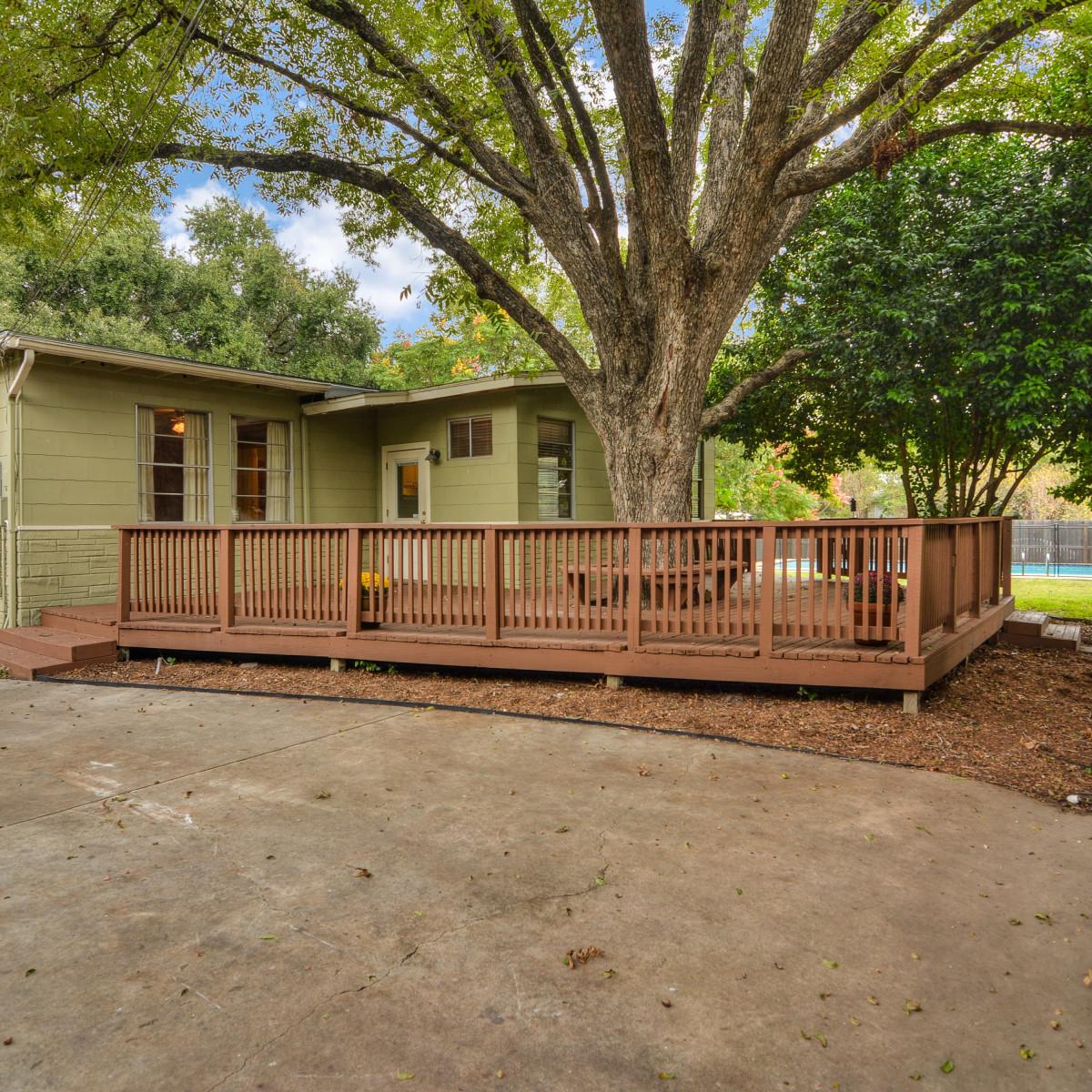 264 Larchmont San Antonio house for sale patio