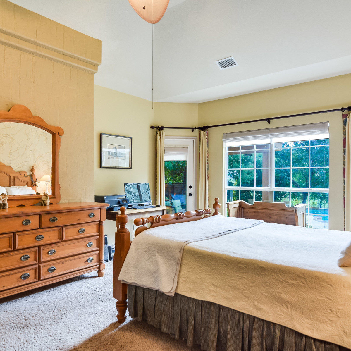14 Greens Whisper San Antonio house for sale bedroom