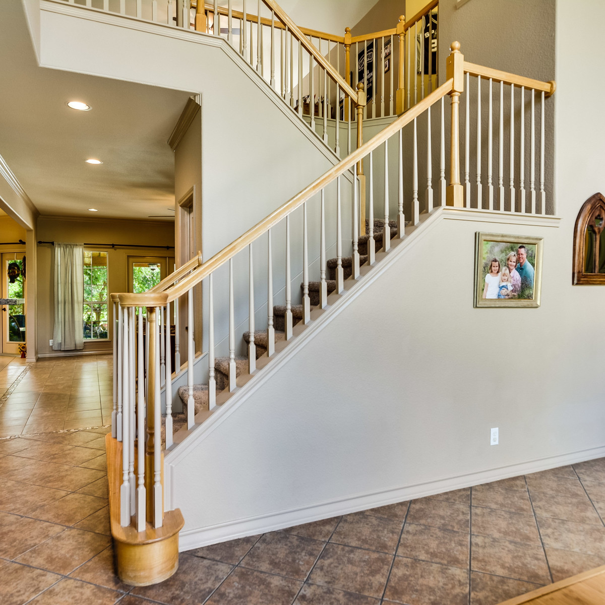 14 Greens Whisper San Antonio house for sale entryway