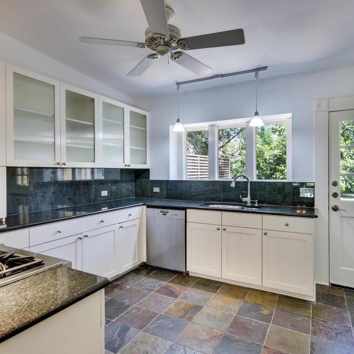 422 Mission San Antonio house for sale kitchen